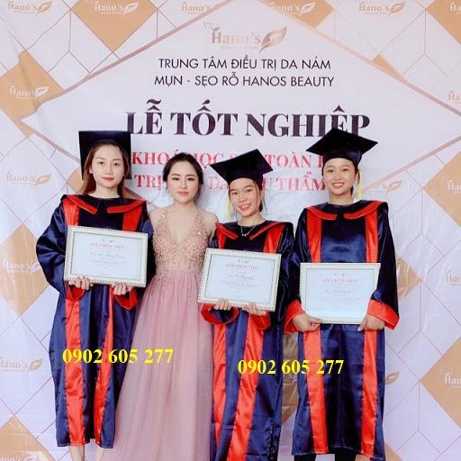 Thuê áo tốt nghiệp cho học viên spa- Tân Bình