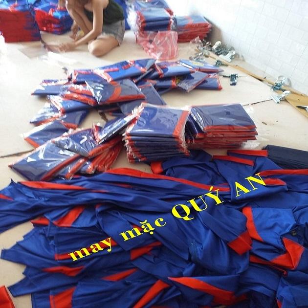 Mua áo tốt nghiệp cho học viên tỉnh Bình Dương